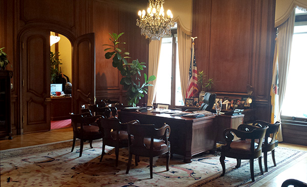 Mayors Desk